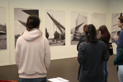 Visites de l'exposition LOOPS de Mathieu Mercier